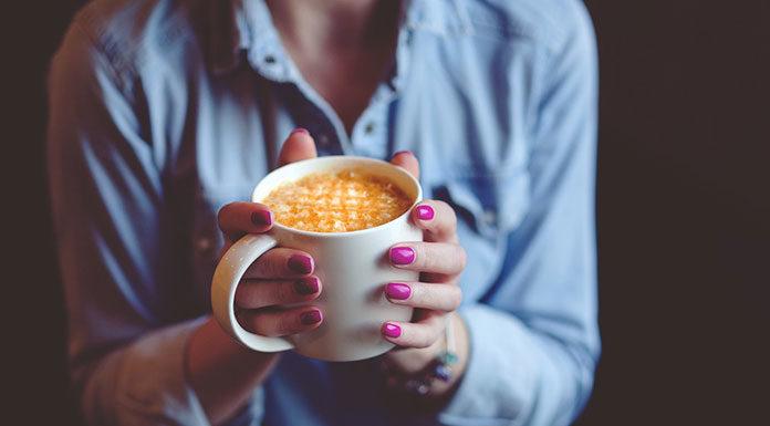 Metody stylizacji paznokci, którymi Twoje klientki będą zachwycone