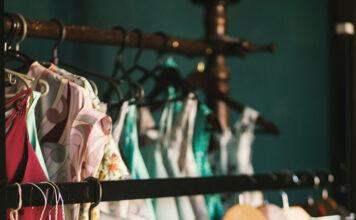Pełnia lata w pięknych sukienkach od Betty Barclay